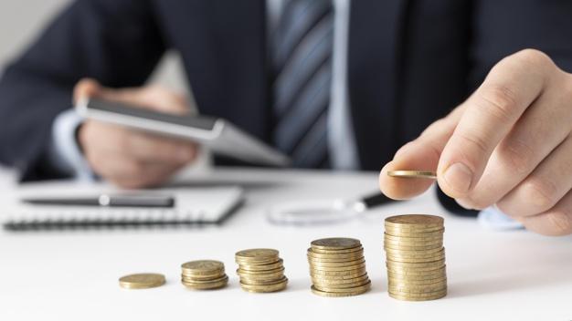 Realização do controle financeiro de uma empresa.